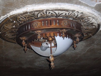 Grand Light to Restore Gowanda Historic Hollywood Theater Luminaries