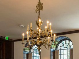"Large Traditional Chandeliers - 27"" to 42"""