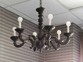 "Medium Traditional Chandeliers - 17"" to 26"""