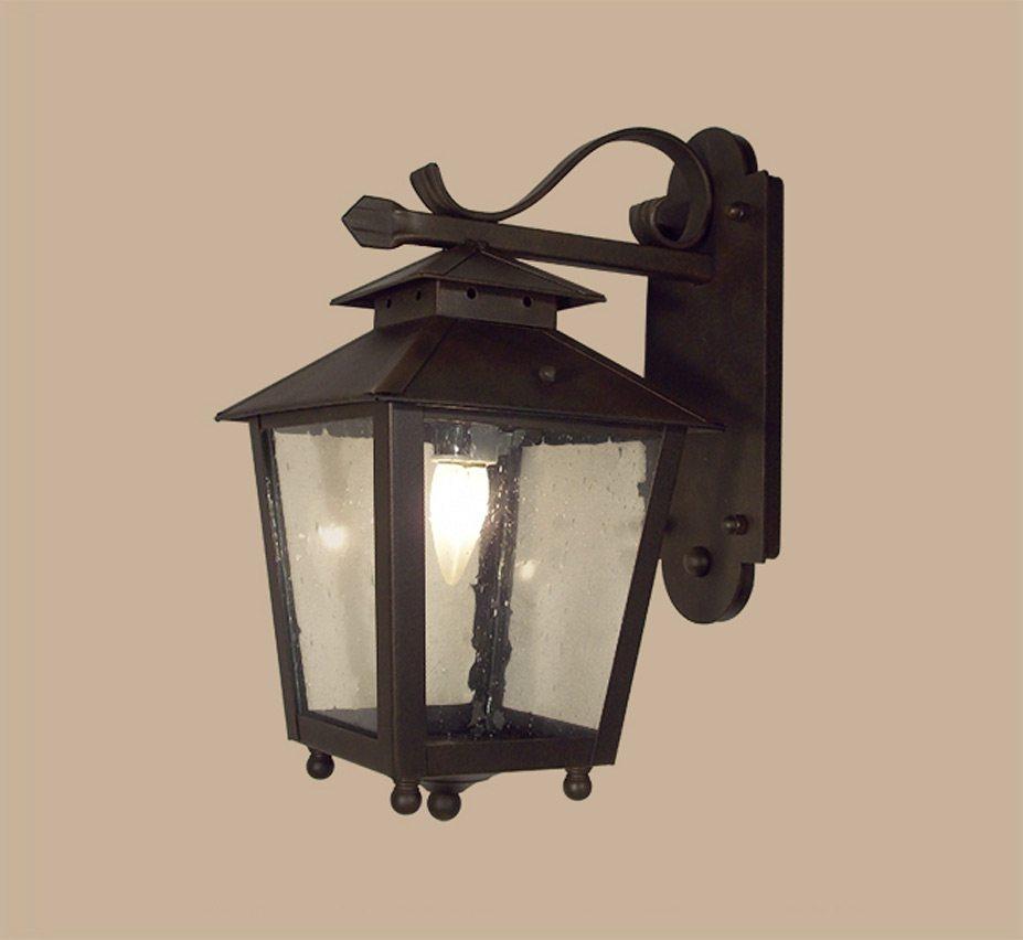 Gilbralter Series 8 Traditional Outdoor Wall Light Grand Light